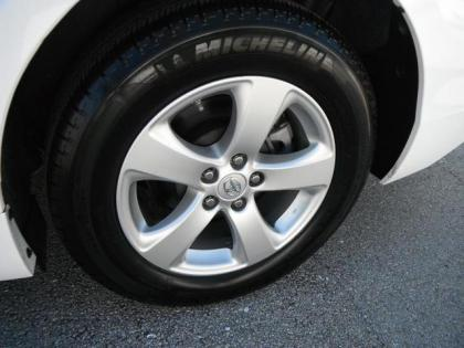 2011 TOYOTA SIENNA LE - WHITE ON GREY 7