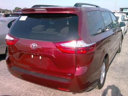 2017 TOYOTA SIENNA LE - RED ON BEIGE 2