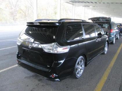 Export Used 2011 Toyota Sienna Se Black On Black