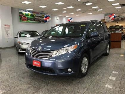 2016 TOYOTA SIENNA XLE - BLUE ON GRAY