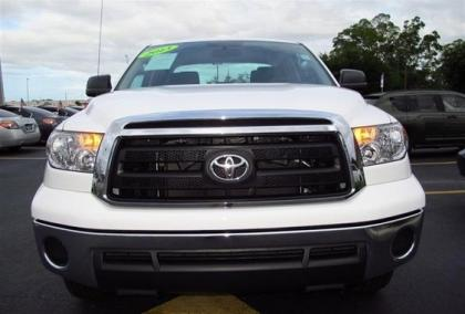 2013 TOYOTA TUNDRA SR5 - WHITE ON BLACK