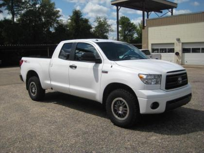 2011 TOYOTA TUNDRA 4WD - WHITE ON BLACK