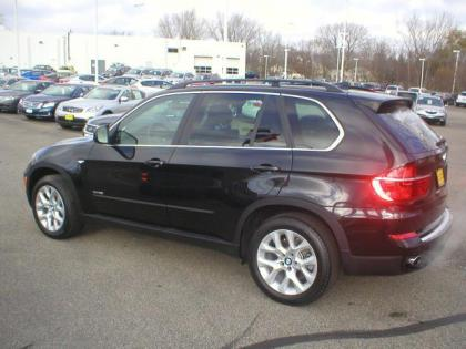 2013 BMW X5 XDRIVE - BLACK ON BLACK 2