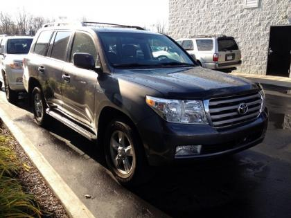 2011 TOYOTA LAND CRUISER BASE - GRAY ON GREY