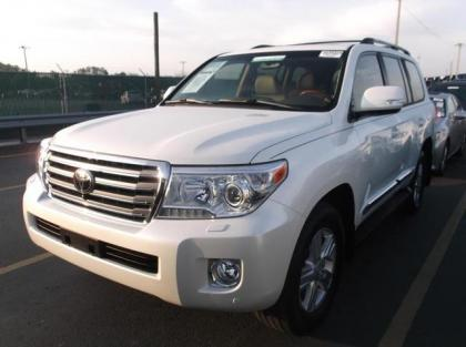 2013 TOYOTA LAND CRUISER BASE - WHITE ON BEIGE