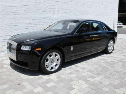 2011 ROLLS-ROYCE GHOST BASE - BLACK ON BEIGE