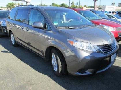 2012 TOYOTA SIENNA LE - GRAY ON GRAY