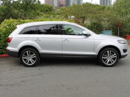 2011 AUDI Q7 AWD - SILVER ON BLACK 3