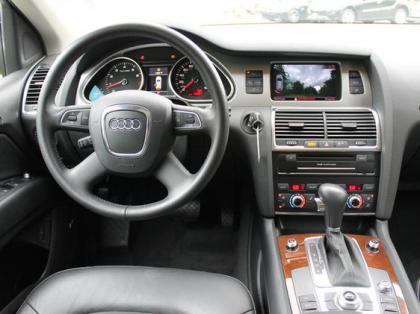 2011 AUDI Q7 AWD - SILVER ON BLACK 7