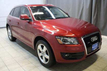 2010 AUDI Q5 3.2 QUATTRO - RED ON BLACK