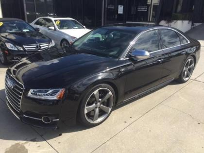 2015 AUDI S8 QUATTRO - BLACK ON BLACK
