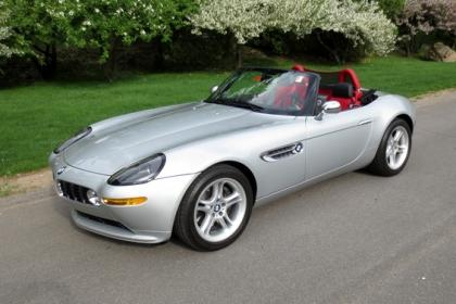 2001 BMW Z8 BASE - SILVER ON RED