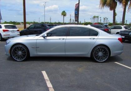 2011 BMW 750LI BASE