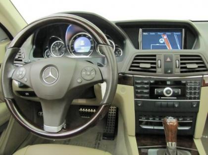 2011 MERCEDES BENZ E350 COUPE - RED ON BEIGE 4