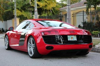 2009 AUDI R8 6-SPEED MANUAL - RED ON BLACK 8