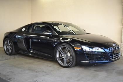 2012 AUDI R8 BASE - BLACK ON BLACK