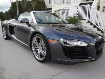 2011 AUDI R8 SPYDER R-TRONIC - GRAY ON GRAY