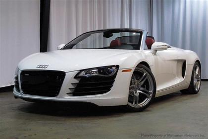 2012 AUDI R8 SPYDER - WHITE ON RED 1