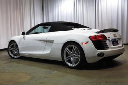 2012 AUDI R8 SPYDER - WHITE ON RED 3