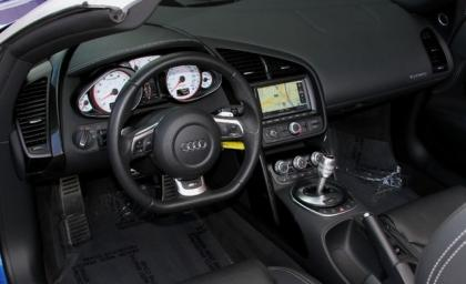 2012 AUDI R8 SPYDER - BLUE ON BLACK 5