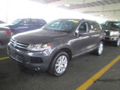 2013 VW TOUAREG COMFORT - GRAY ON BLACK 1
