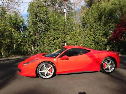 2010 FERRARI 458 ITALIA BASE - RED ON BEIGE