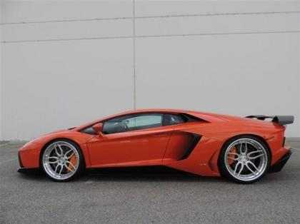 2012 LAMBORGHINI AVENTADOR LP700-4 - ORANGE ON BLACK