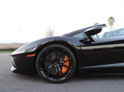 2014 LAMBORGHINI AVENTADOR ROADSTER - BLACK ON BLACK 3